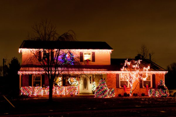 How to decorate your home's exterior for the holidays