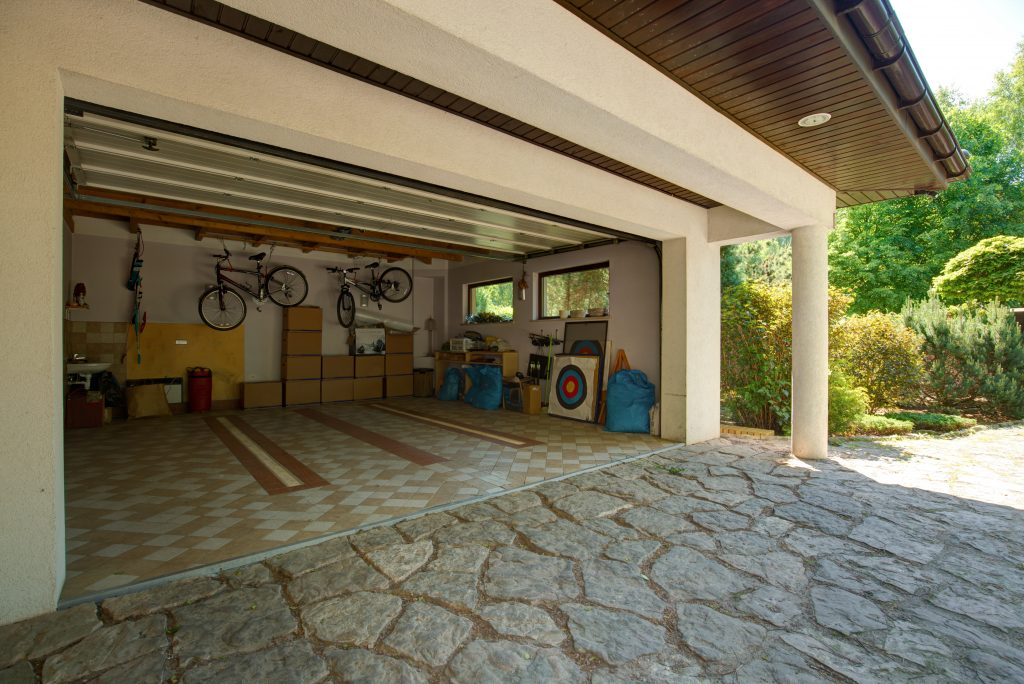 5 Tips for Organizing Your Garage
