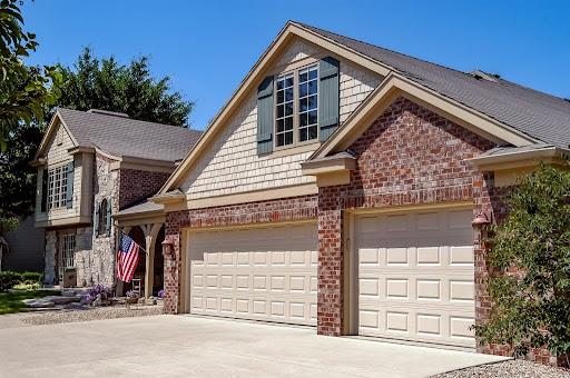 What Garage Styles Match My House? - Raised Panel
