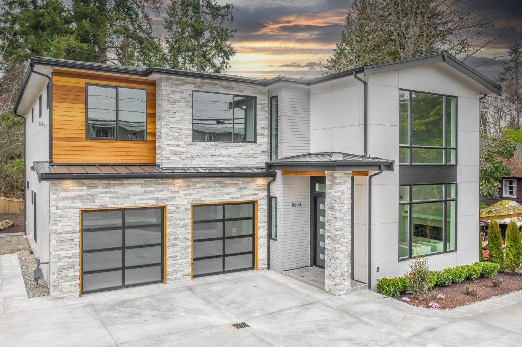 4 Reasons To Consider an Aluminum Garage Door - American Garage Door